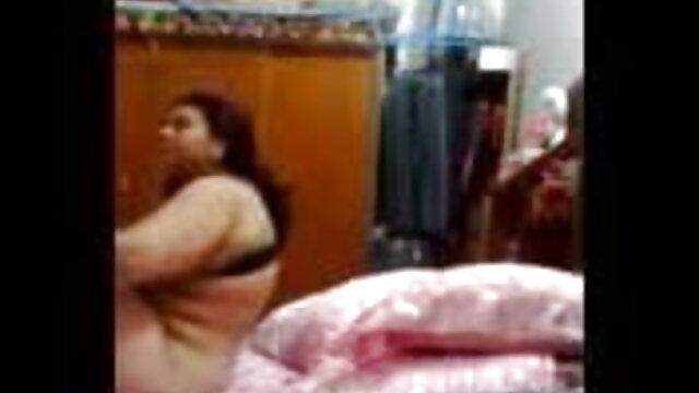 प्यार के साथ खेलने के लिए मेरी गीली सेक्सी वीडियो एचडी में फुल मूवी चूत.