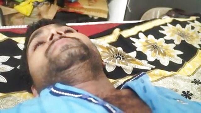 4. व्यभिचारी पति देखता है हिंदी फिल्म सेक्स फुल के रूप में सींग का बना प्रेमिका बड़ी चोट की सवारी