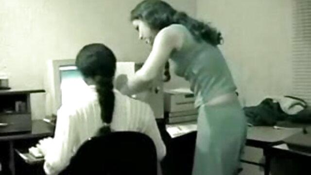 हाई स्कूल देसी भारतीय लड़की गर्म उसके शिक्षक के लिए सेक्सी फुल हिंदी मूवी देता है