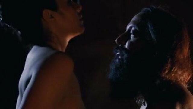 संचिका रेड इंडियन बड़े स्तन के साथ खेलते हैं और सूखी दूध ब्लू फिल्म फुल सेक्सी