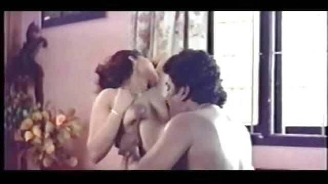 छोटे किशोर गर्भवती पर काम फुल सेक्सी फिल्म हिंदी के पहले दिन