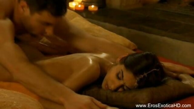 जीआईए आपको उसके बड़े स्तन दिखाने के लिए इंतजार फुल सेक्सी हिंदी वीडियो नहीं कर सकता-वर्चुअल सेक्स